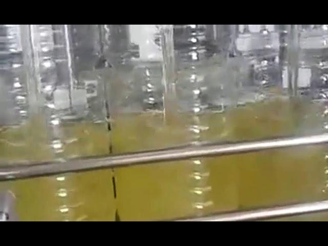 Confezionatrice automatica di olio alimentare per riempimento bottiglie